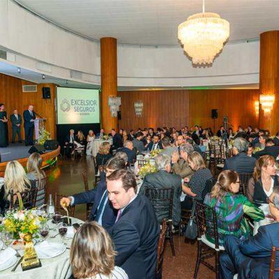 premio-segurador-brasil(210)